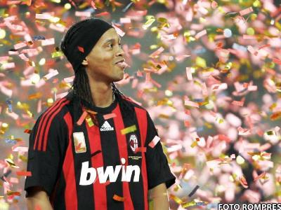 #8 Ronaldinho